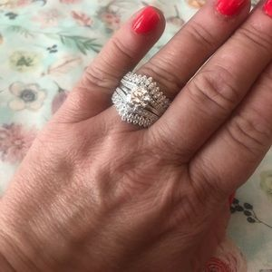 Jewelry - Women's genuine SS ring guard & solitaire.
